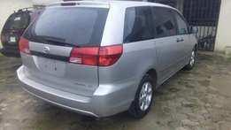 Clean Toyota Sienna 2004 foreign used
