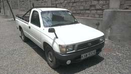 Clean Toyota Pick-up