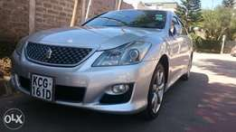 Toyota crown athlete (trade in accepted)
