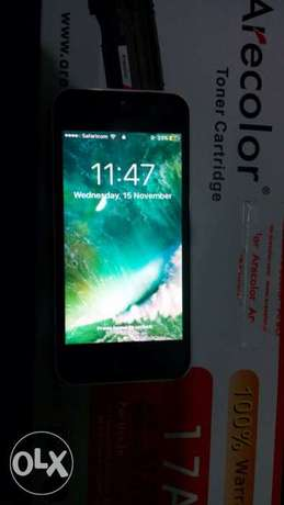 slightly used iphone 5c Nairobi CBD - image 3