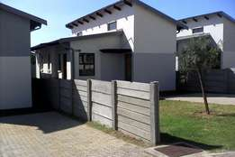 2 Bedroom, 1 Bathroom apartment at summerset palace , midrand for sale