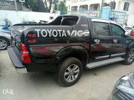 Toyota Hilux Doublecab 2010 model. KCP number Loaded with Alloy rims,
