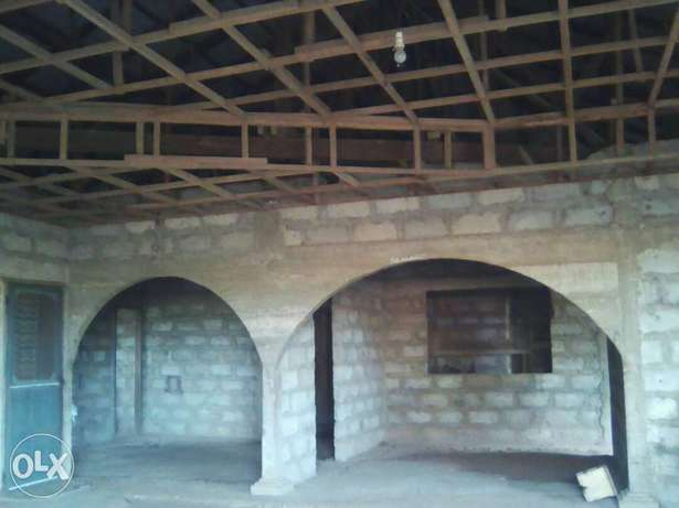 4 bedroom house for sale.its uncompleted Ashaiman Municipal - image 1