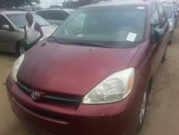 Tincan cleared tokunbo toyota sienna 05
