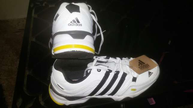Adidas sports shoes size 41 Kiaora - image 2