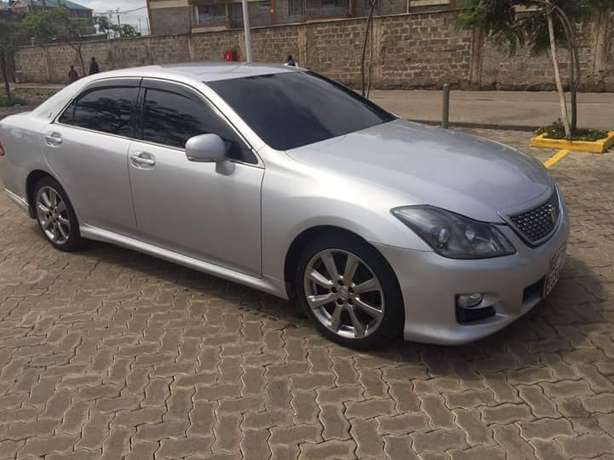 Toyota Crown Athlete In Excellent condition Nairobi West - image 5