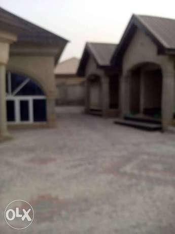 Newly built 2 bedrooms apartment for rent in Elebu, off akala express Ibadan South West - image 1