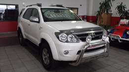 Toyota Fortuner 4.0 V6 Raised Body ( 2008 ) Very neat-All the luxuries