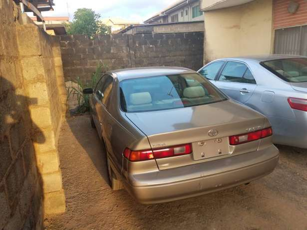 very clean Toyota Camry tiny lightTokunbo Lagos clear paid full duty Alimosho - image 5