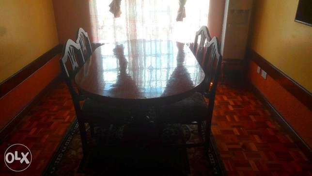 Stylish, luxurious and comfortable dining table for sale! Nairobi CBD - image 1