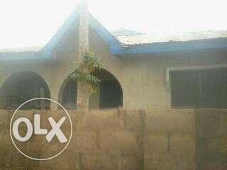 completed well built house in quarters for sale Ibadan North - image 1