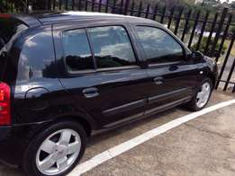 Selling Clean Renault Clio in Good Condition
