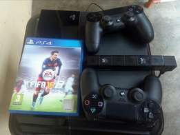 PS4 console with extra Dualshock pad, front camera + Fifa 2016game