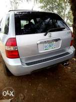 Clean used 05 Acura MDX with Reverse camera