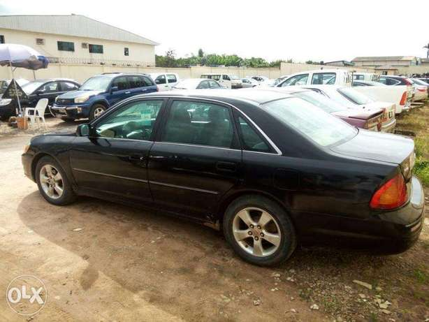 TOYOTA AVALON 2004 Very Clean_Give Away Price Benin City - image 8