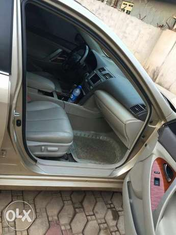 Super Clean Tokunbo Standard Few months Used Toyota Camry 2012 model Abuja - image 2