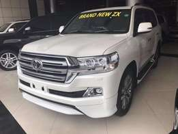 BRAND NEW 2016 FULLY LOADED Toyota Landcruiser ZX model