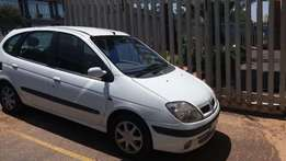 Renault scenic spares 2.0 automatic 2000 model for stripping