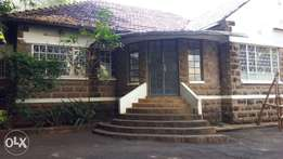 Kilimani:Delightful 7Bedroomed commercial bungalow for rent.