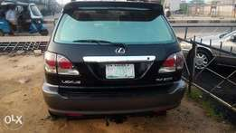 Black Lexus rx 300 jeep for sell