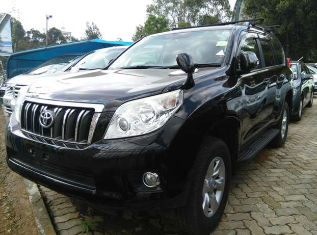 2009 Land cruiser Prado TX,2700cc,Sunroof,Leather seats,Back Camera. Nairobi CBD - image 3