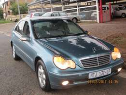 Mercedes BenZ C200 Kompressor 6 Speed Manual 4Door Green