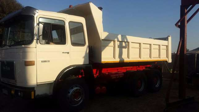 MAN 10 cube tipper WITH 407 ADE TURBO Kempton Park - image 3