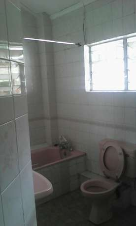 Four bedroom maisonette to let Parklands - image 6
