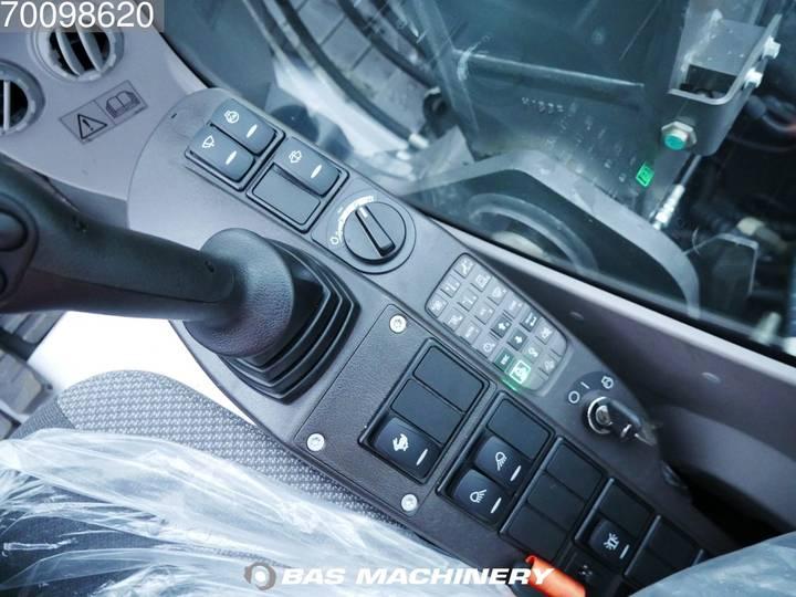 Volvo ECR145CL - 2018 - image 13