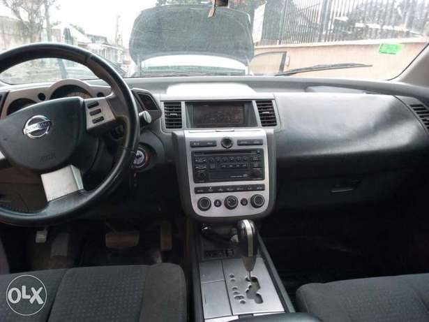 ADORABLE MOTORS: An extremely clean & sound 2004 Nissan Murano 4 sale Lagos Mainland - image 8