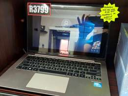 Asus SonicMaster Touchscreen Netbook