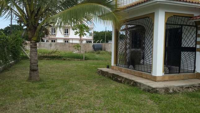 three bedroom mansionette on a gated community Nyali - image 4