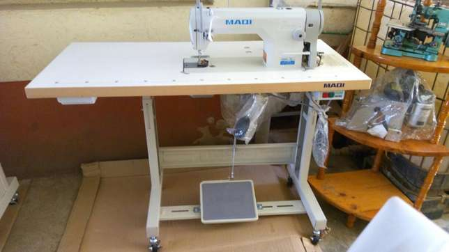 Sewing machines on good price.different machines with its price Githurai - image 2