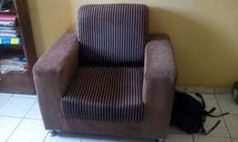 Clean and strong Single Sofa Chair at give away price