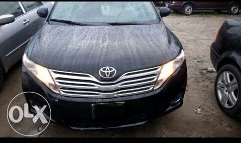 Neatly used venza up for grab Port-Harcourt - image 7