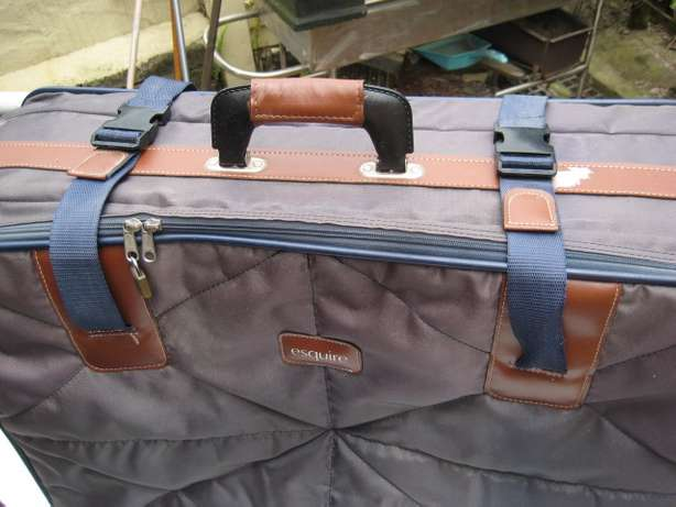 One Big esquir suitcases in very good condition New Germany - image 2