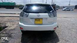2009 Toyota harrier 2.4L, half leather. new tires, 1owner*Priced to go