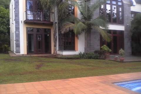 An outstanding Ambassadorial house to let in Runda Hurlingham - image 3
