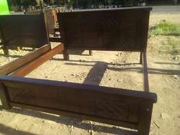 Mohagany kingsize bed for sale