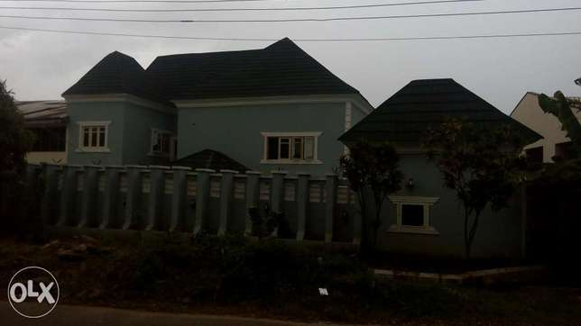 4bedroom semi detached duplex with 3rooms bq in Gwarinpa for sale Gwarinpa Estate - image 1