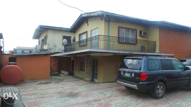 A Storey Building for Sale in Ijesha Surulere with C of O Moudi - image 2