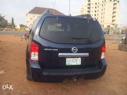 Sound and clean 2006 Nissan Pathfinder Jeep cheap sale