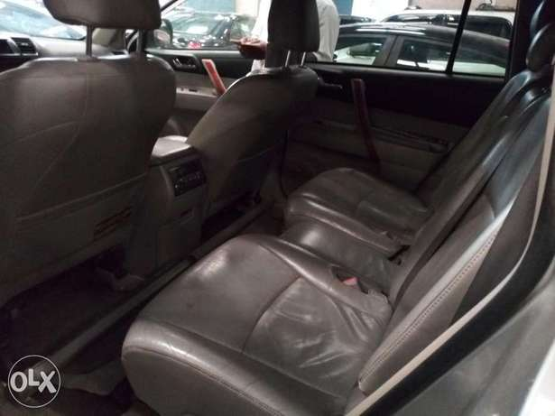Extremely Clean 2009 Toyota Highlander Full Options Alausa - image 3