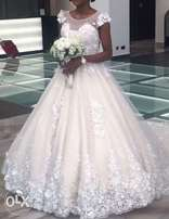 designers bridal wedding gowns for rent