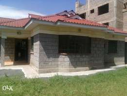 Three bedrooms ensuit in a own compound to let in ongata rongai rimpa