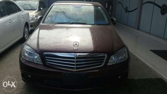 Benz c200 fully loaded 5s 4by4 Kilindini - image 1