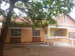 3bedroom kiwatule on 10decimals at 250m negotiable