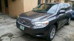 Clean second hand 2008 Toyota highlander