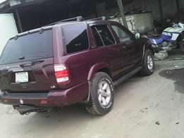 Clean Nissan Pathfinder