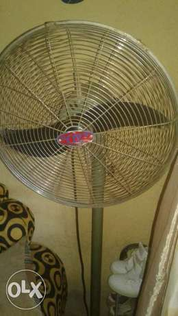 OX standing fan Lagos Mainland - image 2